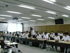 大学・高等学校教育研究懇談会を開催しました