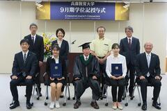 日本語・日本文化研修留学生修了証書授与式を挙行しました