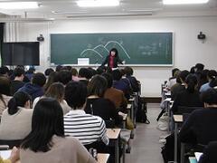 教員採用前説明会及び臨時講師登録等説明会を開催しました