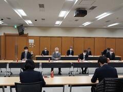 学生と役員等とのミーティングを実施しました