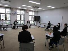 来年度教員採用試験を受験する学生を対象に模擬面接(集団討論・集団面接)を開催しました